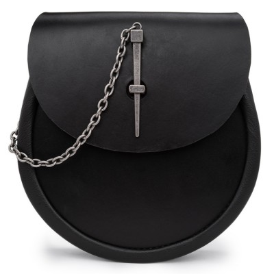 Simple Pin Leather Day Sporran in Black - Pin and Chain Closure