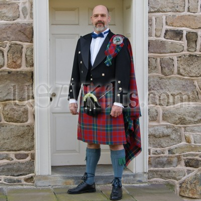 USA Kilts Top Stitched 8 Yard kilt front with optional fly plaid