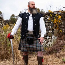 Highlander Pub Package with Chieftain's Vest